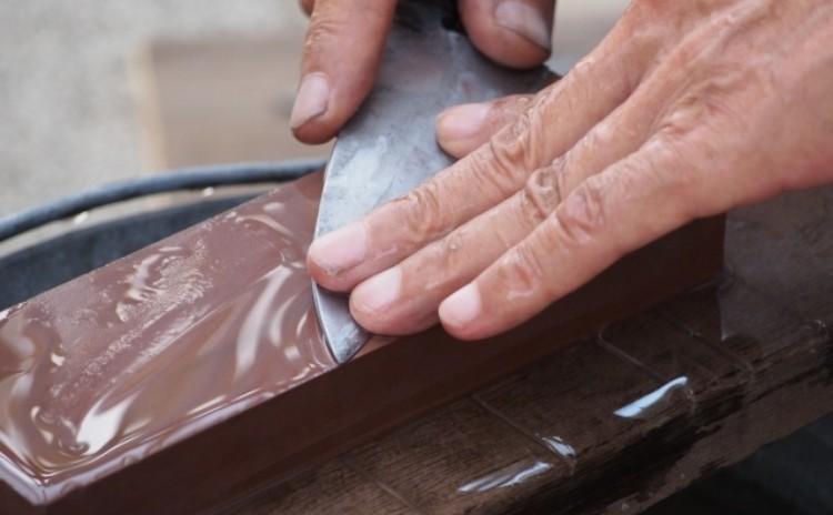 ◆包丁研ぎ講座 包丁研ぎの基礎を習得しよう 砥石を使って包丁研ぎ