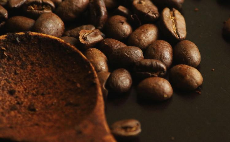 スペシャルティコーヒーの焙煎体験!人気店のバリスタから自宅でもできるコーヒー豆の焙煎を学べるワークショップ
