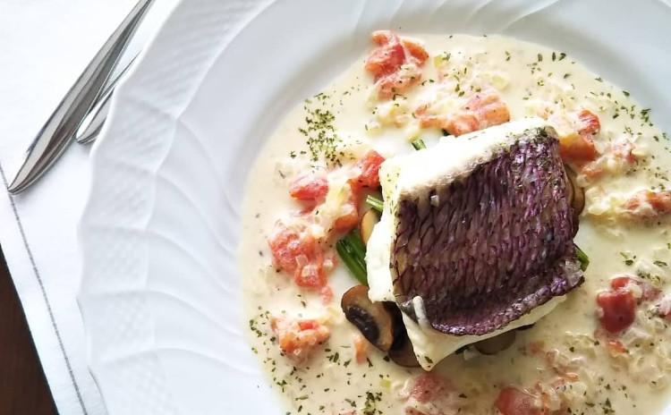 これからの季節にぴったり!鮮魚の白ワイン蒸し、おつまみにもピッタリなフリット、口当たり滑らかなマスカルポーネムースのご紹介