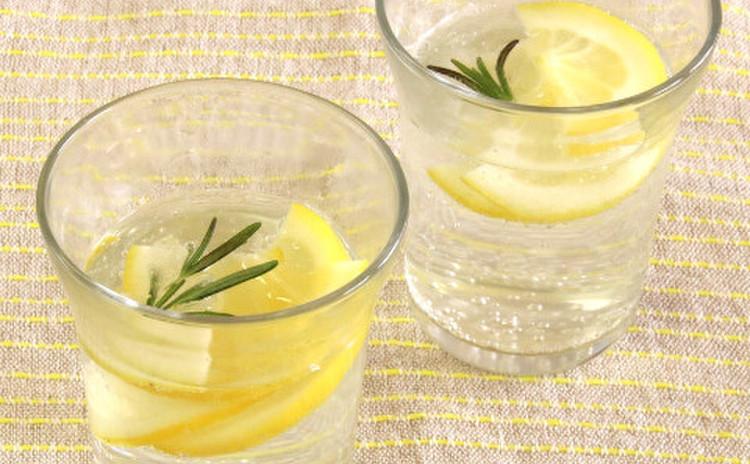 レモンサワー or レモン炭酸水
