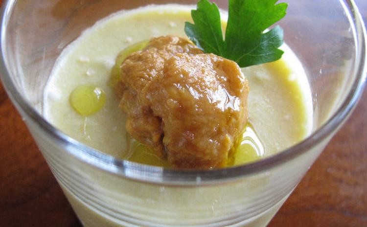 トウモロコシのムース、塩水ウニ添え