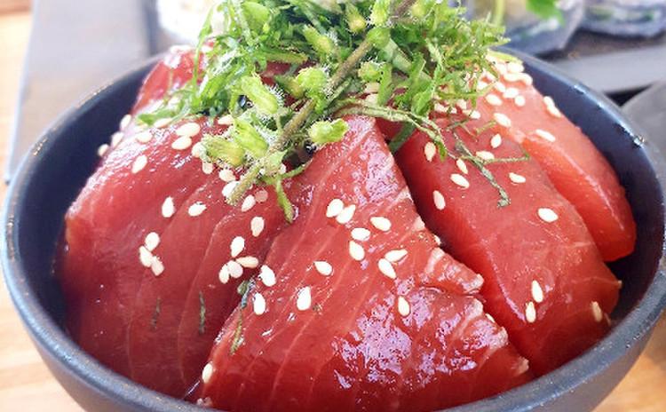 マグロの漬け丼(単品定価:9,500円)