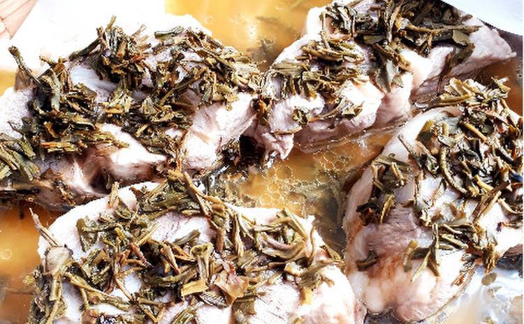 豚肉のジャスミン茶葉蒸し(単品定価:12,000円)