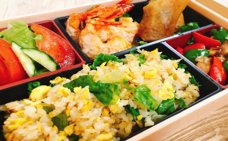 おうち中華弁当♪ 中華春巻きや海老マヨなど中華の盛り合わせがたくさん詰まったお弁当です♪
