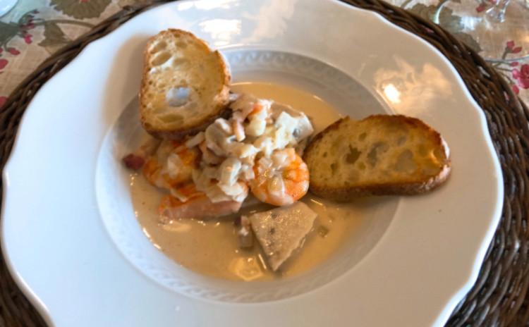 ブルゴーニュのごちそう! 「ジャンボン・ペルシエ」「魚介の白ワイン煮」