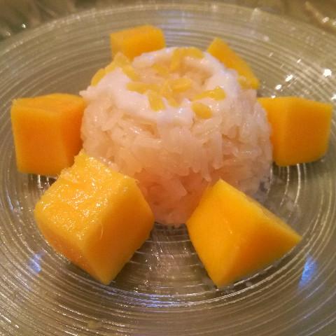 カォ・ニオ・マムアンマンゴーともち米ココナッツミルク煮