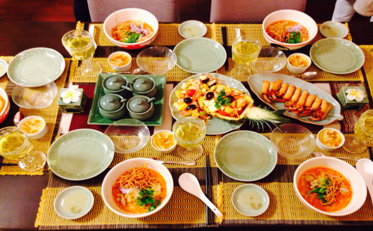 人気のチェンマイ料理 カオソイ(タイカレーヌードル)