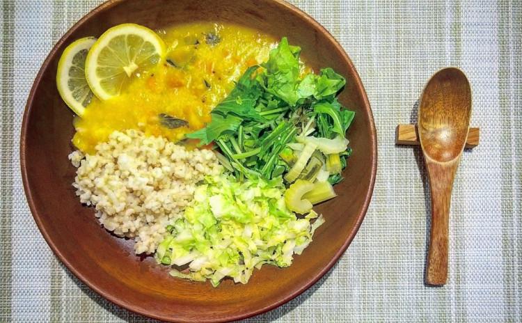【創作アーユルヴェーダ料理】ハノイ風ダル、夏野菜のスパイス炒め、おからの生春巻き