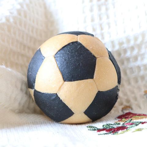 サッカーボールパン(チョコチップ入り)