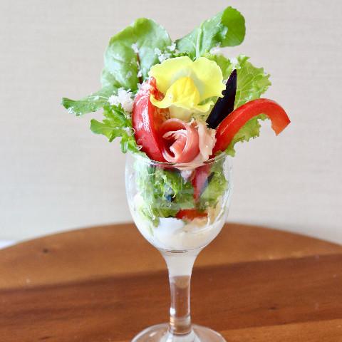 ハニードレッシングの彩りサラダ