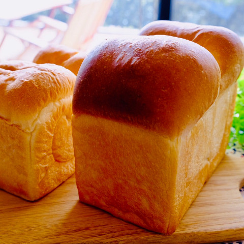 はやりの山型食パン♪