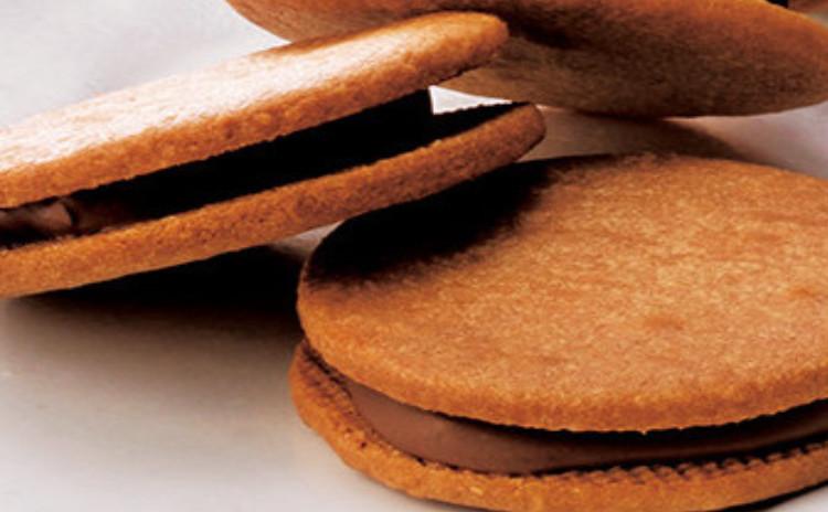 さくらんぼと紅茶のチーズケーキ&キャラメルサンドクッキー