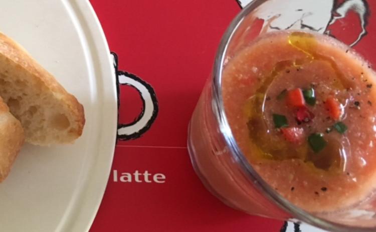 チーズ・トマトの ロールカツ ガスパチョ キュウリの蛇腹漬 茗荷の卵とじ ミックスベリーヨーグルトケーキ