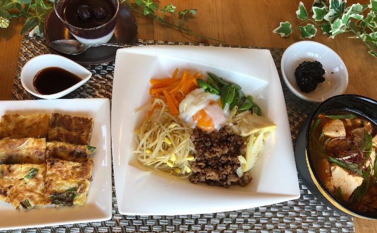 みんなの大好きな韓国料理ビビンバ、海鮮チヂミ、豆腐のスンドブチゲを簡単に作ろう