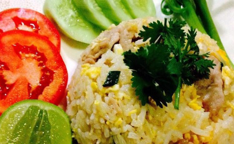 タイ風豚肉のチャーハン