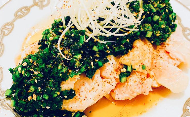 柔らか茹で鶏のニラソースがけ(単品定価:9,500円)