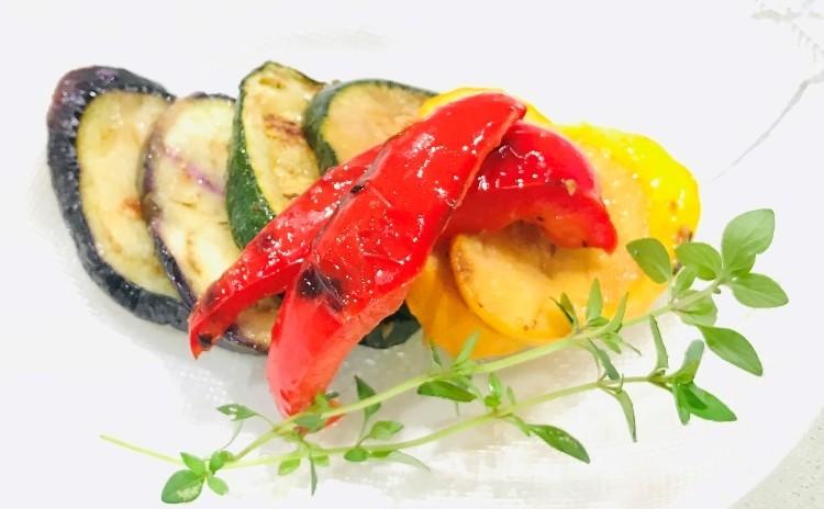 夏野菜たっぷり 酸味を利かせた爽やかなメニューです。
