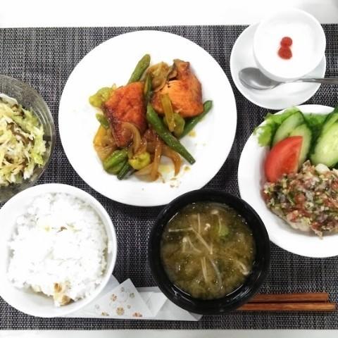 鮭とそら豆のカレー炒め☆くらし薬膳御膳
