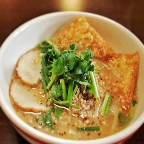センレックトムヤム(トムヤムスープのタイ汁麺)