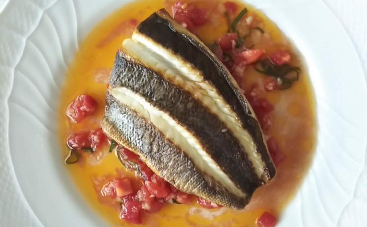 夏野菜をたっぷりいただきましょう!ラタトゥイユ、鮮魚のポワレ、レモンタルトをご紹介。
