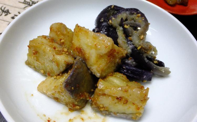 大邱名物の平たいマンドゥーとちょい辛のタコの炒めものと茄子料理~韓国料理ですよ~