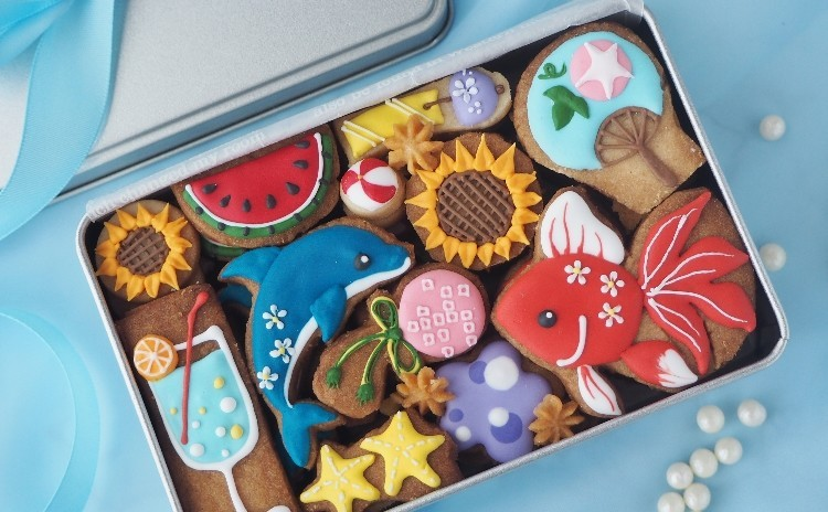 上岡麻美さんのクッキー缶「サマーバージョン」