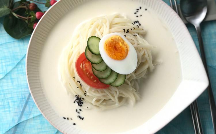 韓国の夏はコングッス、水キムチ、キムチマンドゥ、蓮根サラダ、ジャガイモチョリムなど
