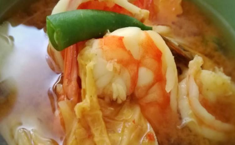 ゲーン・ソム・グン(海老と野菜のサワーカレー)