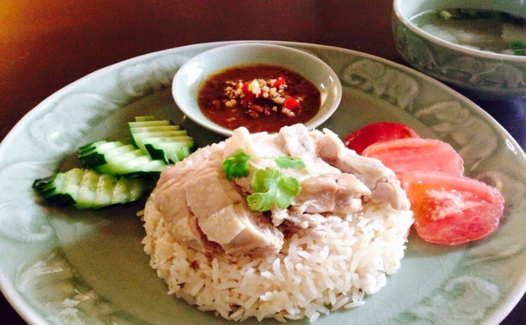 人気なカオマンガイをご自宅で美味しくかつ簡単な作り方、焼きなすのサラダ、タイ風さつま揚げ、ミルクプリン