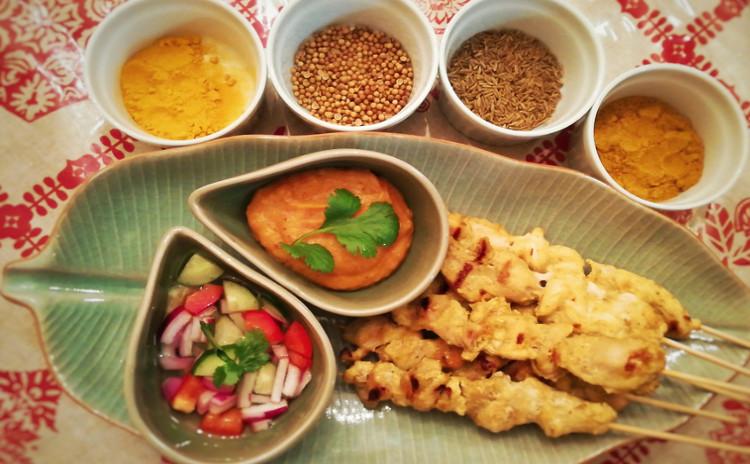 簡単に作れる一人様のタイスキ、ハーブたっぷりチキンサテ、たこ焼き器で作るココナッツミルクのスイーツ!