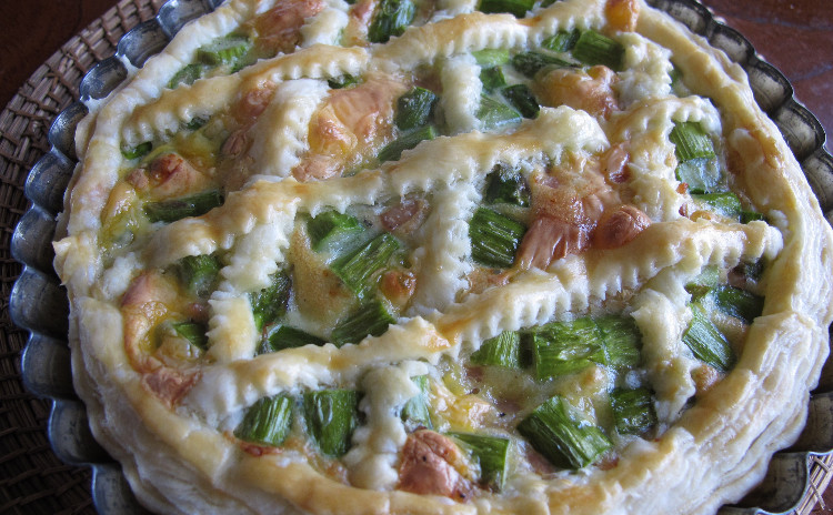 ペスカトーラ、アスパラのクロスタータ、ムール貝の香草パン粉焼き、メロンの冷たいケーキ
