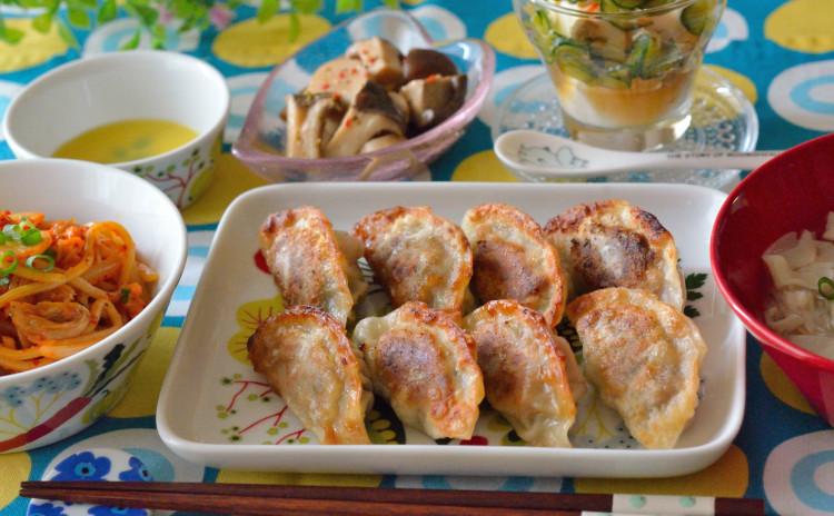 大葉餃子を手作り♪キムチ焼きそばや春雨ワンタンスープも♡おうち中華の献立です♪