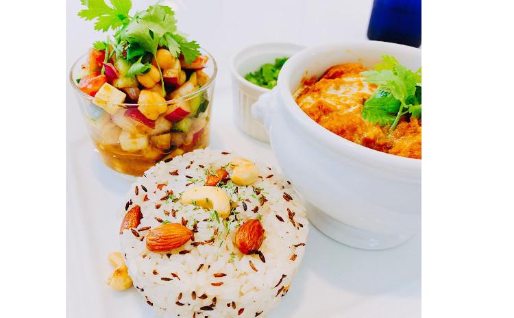 8月で終了‼️オススメ‼️【ヘルシーインド料理】①食材の水分だけで煮込む胃もたれしないインドカレー(チキン)、②消化を助けるナッツクミンライス、③ひよこ豆のカチュンバ(インド風野菜のスパイスサラダ)