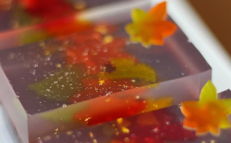 9月、10月/華やか!ゴージャス♬秋の和菓子「吹き寄せ」(羊羹製)と「落葉」(みじんこなし生地)
