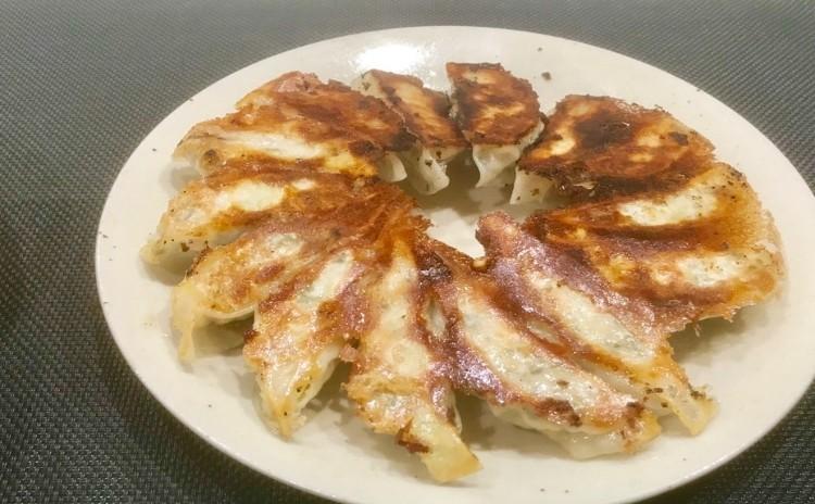 味わい深い基本の炒飯、餃子、焼き豚、酸辣湯、杏仁豆腐
