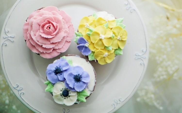 初心者の方も大歓迎 レシピ付き♡ あんフラワー 初級カップケーキレッスン