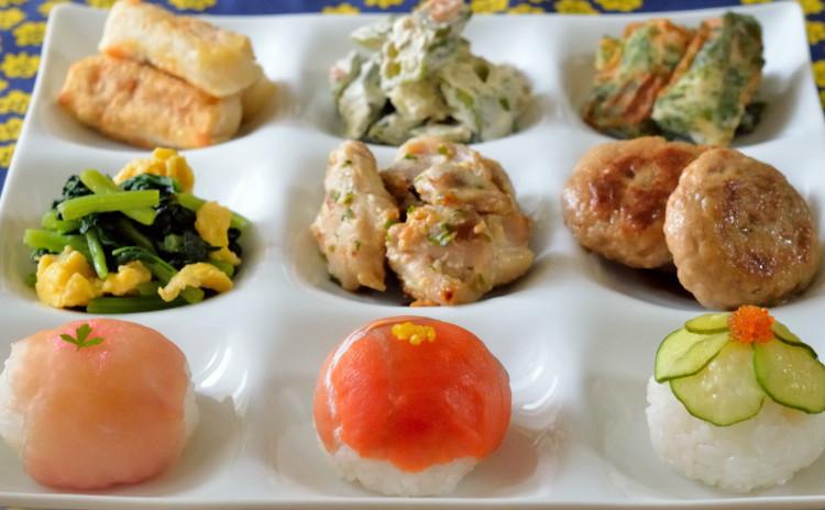 秋の行楽お弁当おかず♪鶏肉の西京焼き&つくねの照り焼きをメインに副菜も盛り沢山♪可愛い手まり寿司も♡