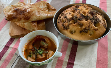 自家製ヨーグルトで作るヨーグルト酵母を使ってナン・フォカッチャを作ろう!!