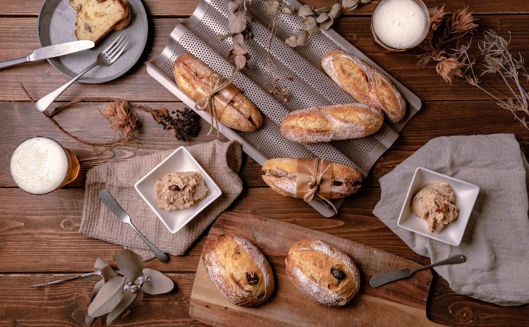 甘酒酵母パン!秋の味覚、ソフトフランス&甘栗のクッペ、栗のミルククリームとラッピングのお土産付き