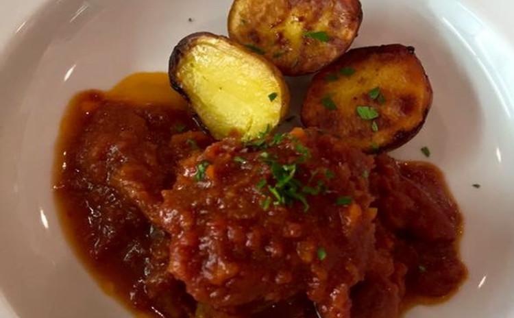 スペアリブのトマトソース煮込みをメインに秋メニュー
