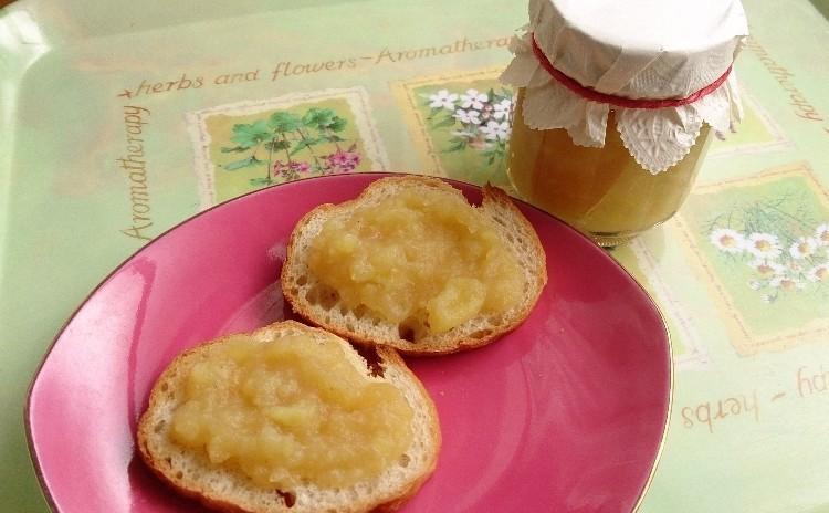 「捏ねないパン~リュスティック風」「プレ・ペイザンヌ~若鶏の田舎風煮込み」「サツマイモと林檎のジャム」