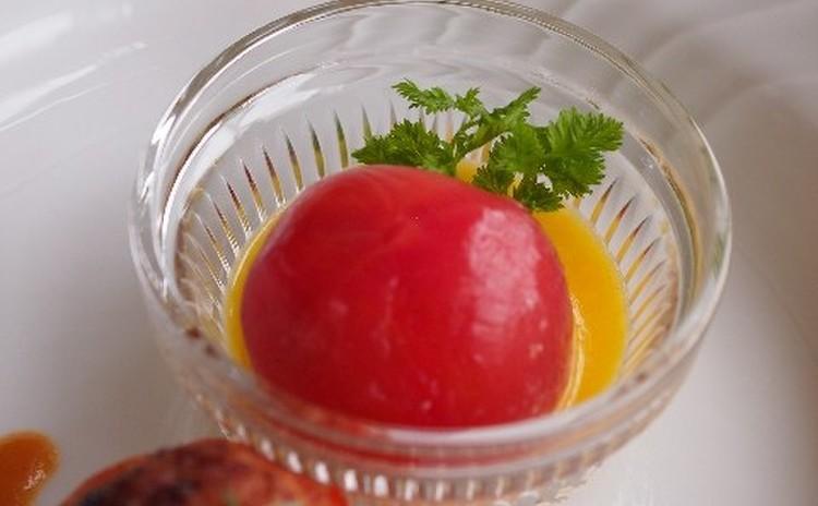【前菜】冷製トマトのファルシィ魚介仕立て