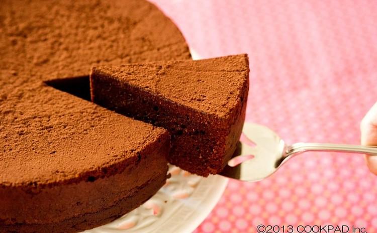 初心者でもパティシエが作ったような感動の味に!濃厚ガトーショコラ