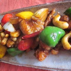 人気のトムヤムクンの調味料を使って作るタイ料理&簡単マンゴのデザート