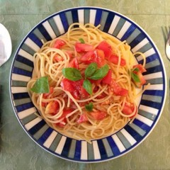 梅とトマトの冷製パスタ&手作りフォカッチャ