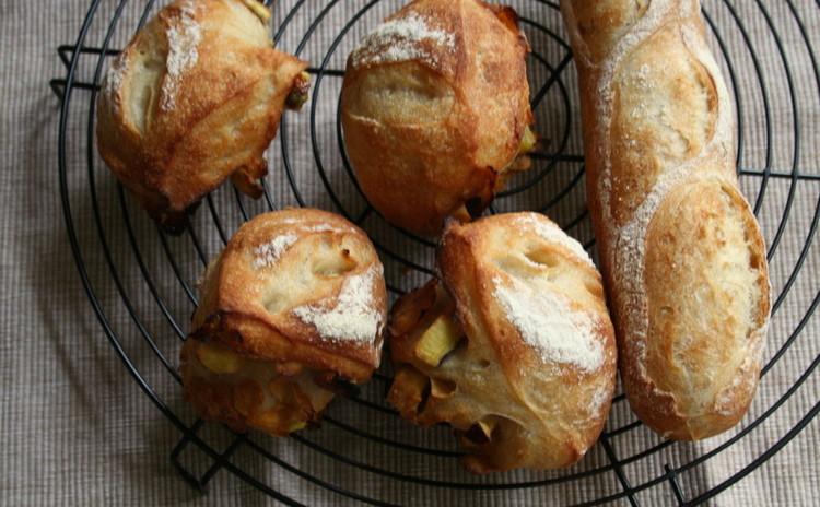 自家製酵母パン!ミニバケット&さつまいもの甘露煮たっぷりリュスティック