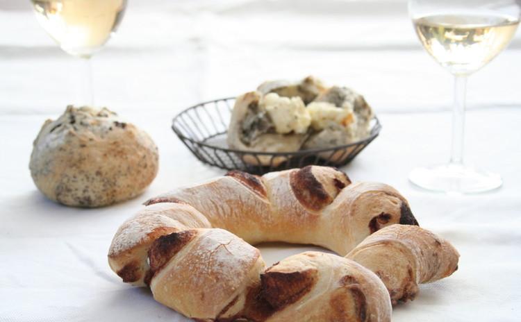 自家製酵母パン!シナモンリースパンとアールグレイ香るハードパン