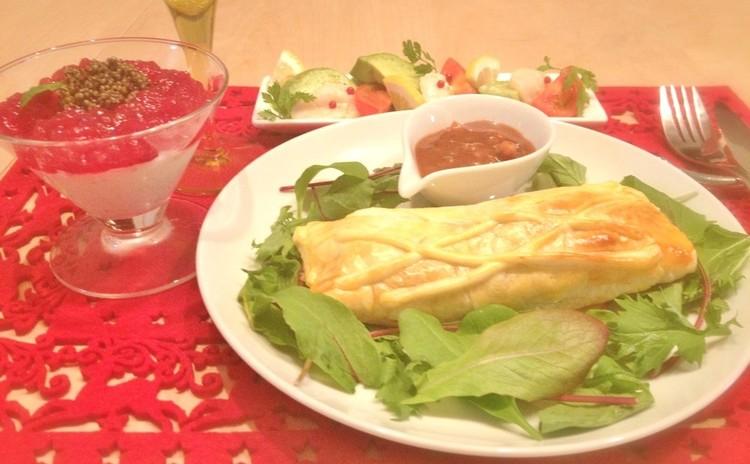 【日程追加!】サクサクのパイを切ると、鶏の赤ワイン煮込みがとろ~り!