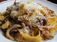 料理レッスン写真 - チキンロールのマスタード風味&タリアテッレポルチーニソース