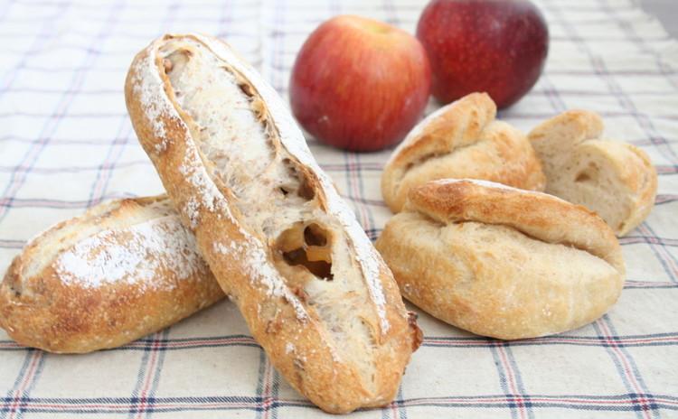 自家製酵母パン!くるみとりんごのハードパン&タバティエール